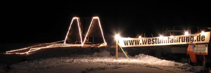 Beleuchtetes Tunnelportal der VEO im Jahr 2005.